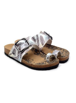 Calceo bílé pantofle Thong Sandals Feather