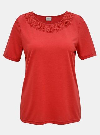 Červené tričko s krajkovým lemem Jacqueline de Yong Finja