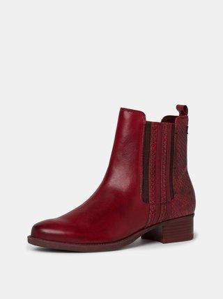 Červené kožené chelsea boty s hadím vzorem Tamaris