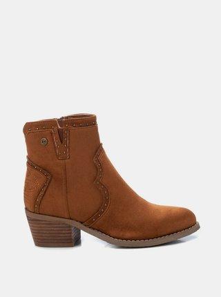 Hnědé dámské kotníkové boty v semišové úpravě Xti