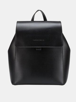 Černý batoh Claudia Canova