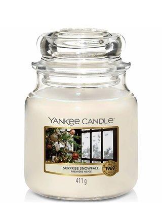 Yankee Candle vonná svíčka Surprise Snowfall Classic střední