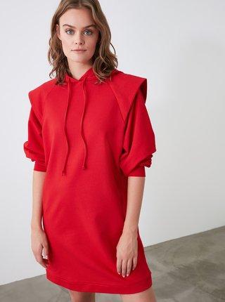Červené mikinové šaty s kapucou Trendyol