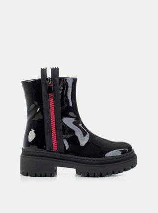 Černé dámské lesklé kotníkové boty MUSK