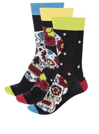 Súprava troch unisex ponožiek v čiernej farbe s farebnými lebkami Oddsocks Wesley