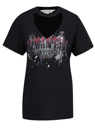 Čierne voľné tričko s potlačou a prestrihom v dekolte Miss Selfridge