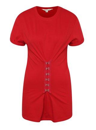 Červené tričko s ozdobnými háčikmi Miss Selfridge