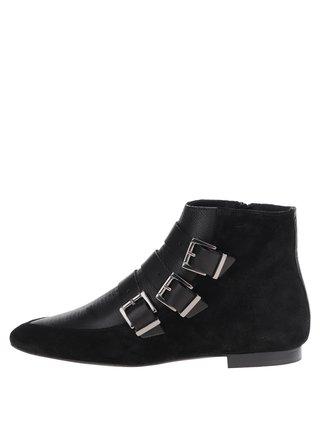 Černé semišové kotníkové boty s přezkami Pieces Pelippa