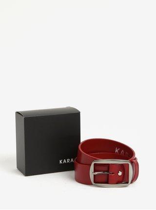 Červený dámský kožený pásek s přezkou ve stříbrné barvě KARA