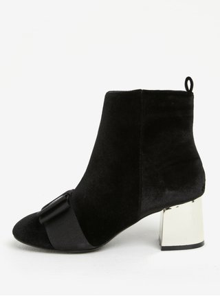 Černé sametové kotníkové boty na podpatku Miss KG Talisa