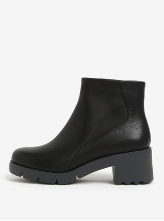 Černé dámské kotníkové kožené boty na podpatku Camper Wanda