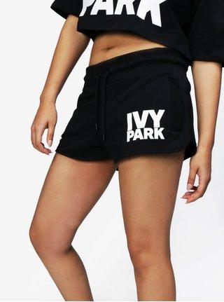 Čierne kraťasy s potlačou Ivy Park