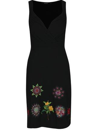 Čierne šaty s kamienkami a výšivkami Desigual Gotheborg