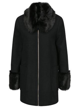 Černý kabát s umělou kožešinou Miss Selfridge