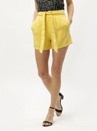 Žlté kraťasy s vysokým pásom VERO MODA Mia