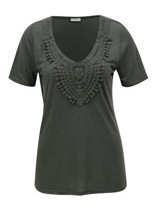 Zelené tričko s čipkovanou nášivkou Jacqueline de Yong Dodo