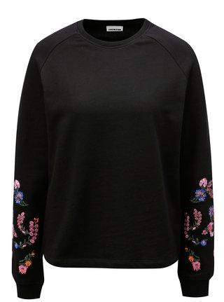 Bluza sport neagra cu broderie florala pe maneci Noisy May Taddi