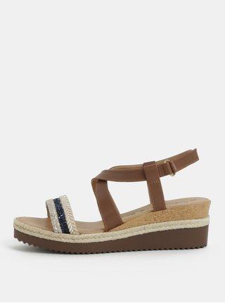 Hnedé kožené sandálky na plnom podpätku s ozdobným remienkom Tamaris af866d80f07