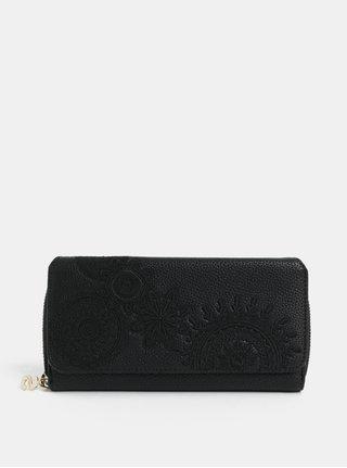 Čierna koženková prešívaná peňaženka Desigual Amber