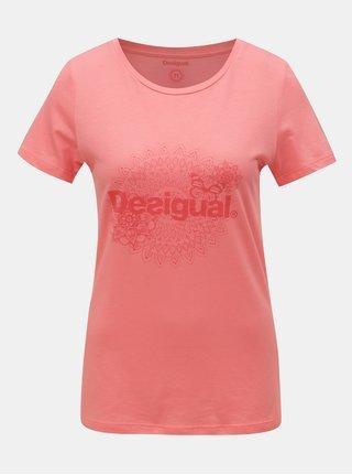 Tricou roz cu print Desigual