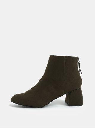 Khaki kotníkové boty v semišové a  na podpatku Pieces Daja