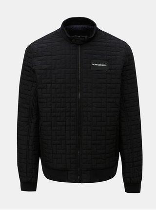 Čierna pánska prešívaná bunda s nášivkou Calvin Klein Jeans