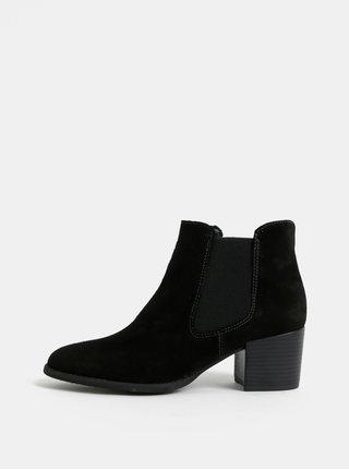 Čierne semišové chelsea topánky na podpätku Tamaris