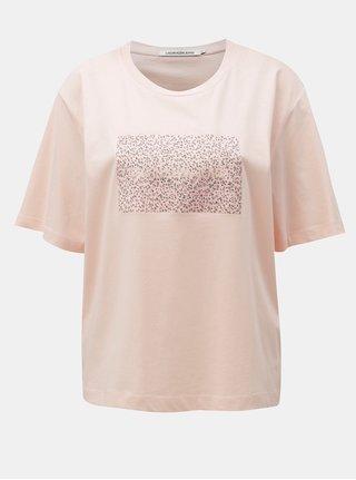 Ružové dámske voľné tričko s potlačou Calvin Klein Jeans