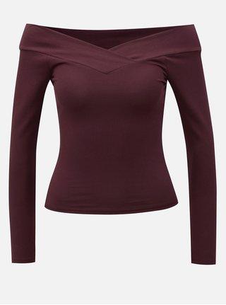 Vínové tričko s dlouhým rukávem a odhalenými rameny Miss Selfridge
