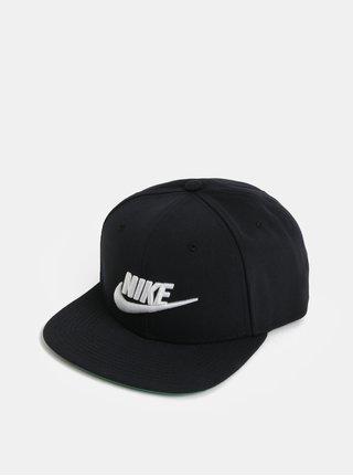 Černá kšiltovka s výšivkou Nike