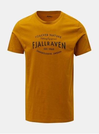 Tmavě žluté pánské tričko s potiskem Fjällräven Est. 1960