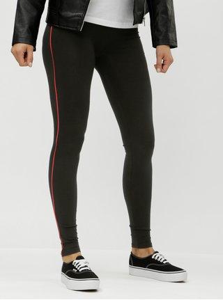 Černé legíny s červeným pruhem na nohavicích ONLY Piping