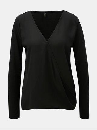 Bluza neagra cu partea din fata suprapusa ONLY Palma