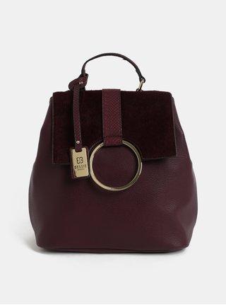 Vínový batoh s umelou kožušinkou a detailmi v zlatej farbe Bessie London