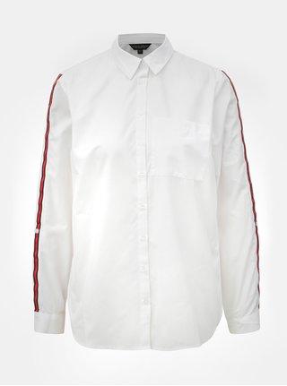 Bílá košile s náprsní kapsou a červenými pruhy na rukávech Dorothy Perkins