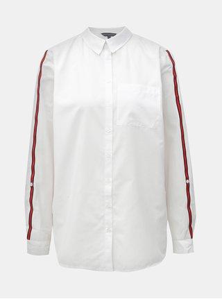 Bílá košile s náprsní kapsou  a červenými pruhy na rukávech Dorothy Perkins Tall