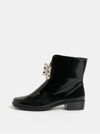 Černé gumové kotníkové boty s puntíkovanou mašlí OJJU