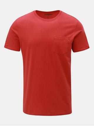 Červené slim fit tričko s náprsní kapsou Jack & Jones