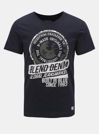Tmavomodré tričko s nápisom Blend