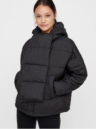 Černá zimní bunda s odepínatelnou šálou VERO MODA