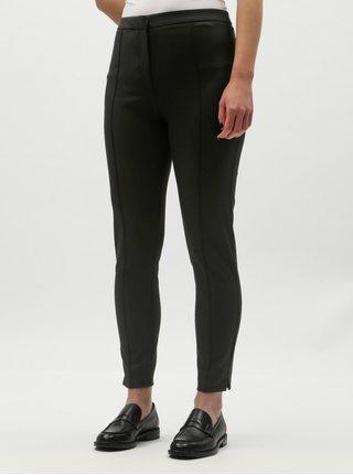 Černé zkrácené kalhoty s puky a vysokým pasem Selected Femme Ilue 8b62d82422