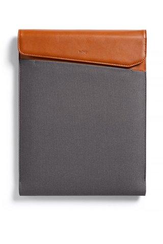 """Husa maro & gri Bellroy Laptop Sleeve Extra 15"""" cu detalii din piele"""