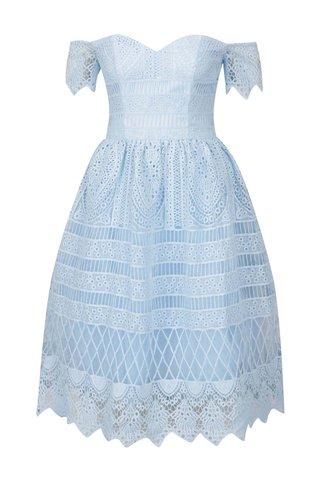 Světe modré krajkové šaty s odhalenými rameny Chi Chi London Aline