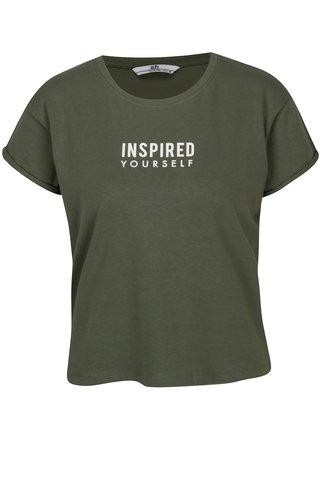 Khaki zkrácené tričko s potiskem a flitry na zádech SH Ibirama