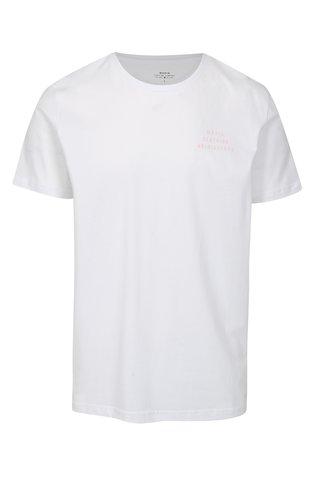 Bílé tričko s potiskem Makia Helsingforst