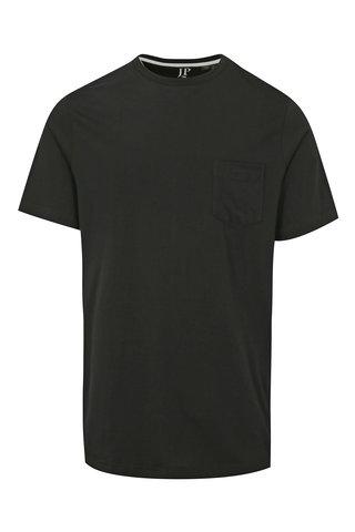 Tricou negru cu buzunar la piept JP 1880