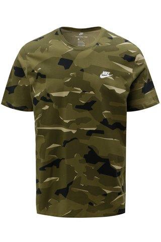 Zelené pánské maskáčové tričko s krátkým rukávem Nike
