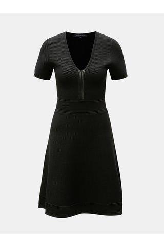 Černé šaty s véčkovým výstřihem French Connection