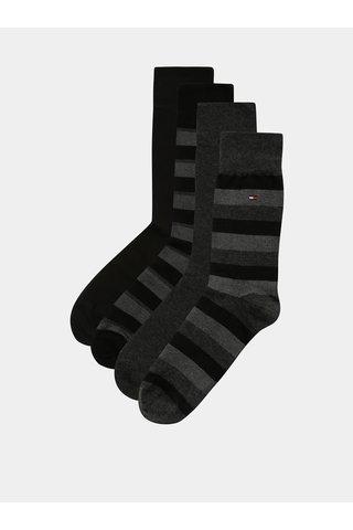 Sada čtyř párů pánských ponožek v černé a šedé barvě v dárkovém balení Tommy Hilfiger