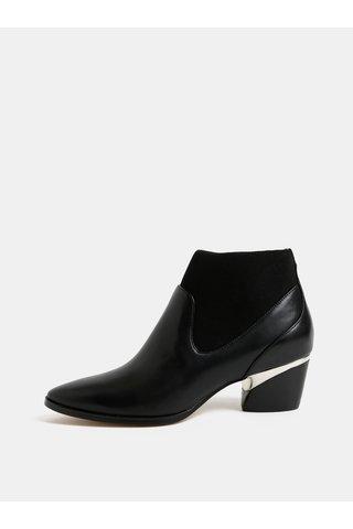 Černé kožené kotníkové boty na podpatku DKNY